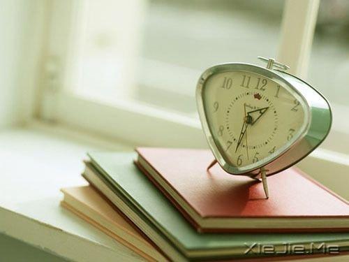 早安心语:谁都可以说爱你,但不是人人都能等你 (1)